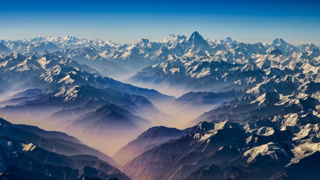 what-large-mountain-range-is-found-north-of-india_8ed497c83e8c8219