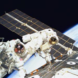 astronauts-1665273_1280