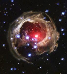 Illuminates Dust Around Supergiant Star V838 Monocerotis (V838 Mon)
