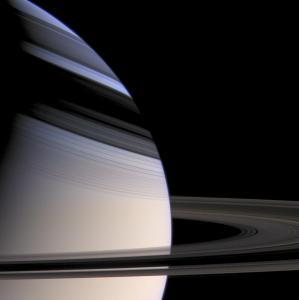 Saturn Amazing Rings